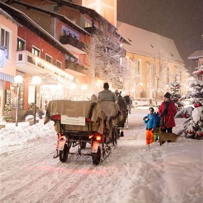 Adventstimmung in Gastein bei Schnefall