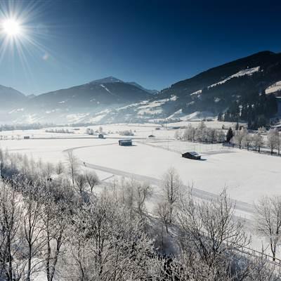 Gasteiner Tal im Winter bei strahlendem Sonnenschein