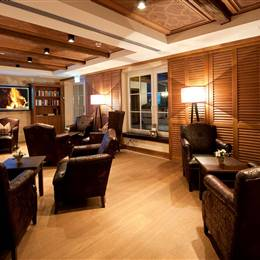 Hotel lounge with leather furniture